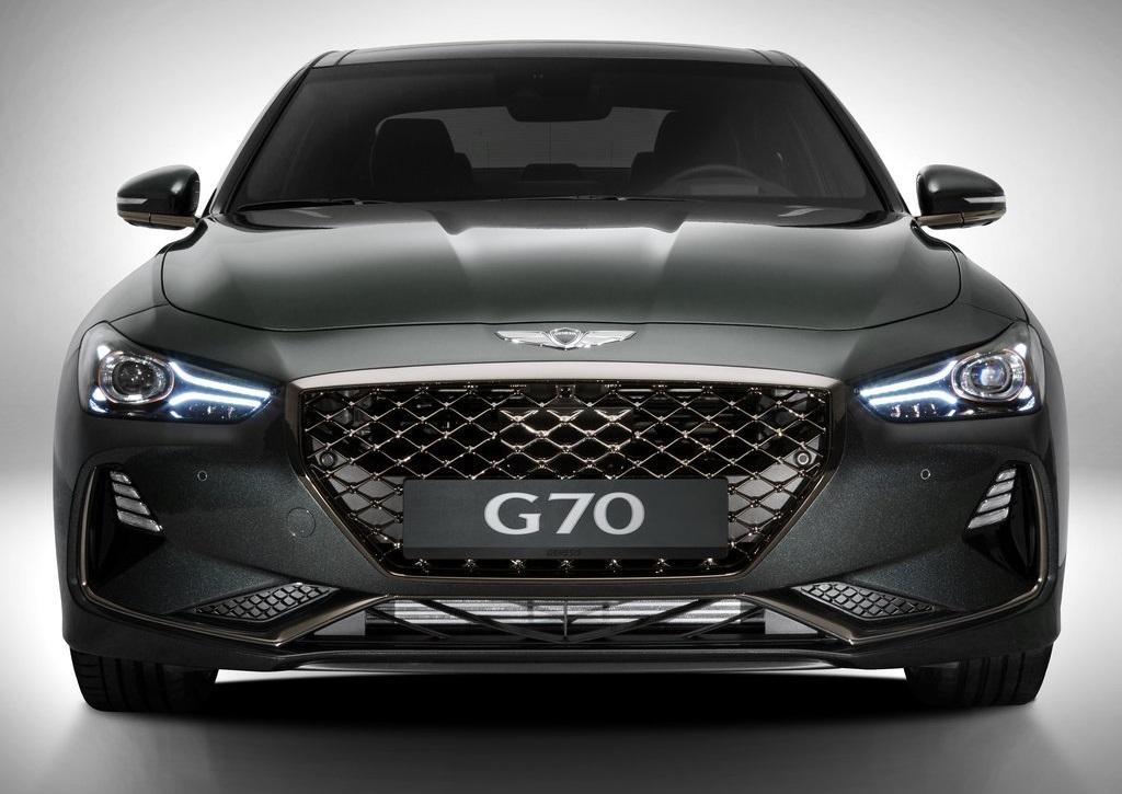 GENESIS G70 ile seriyi tamamladı.