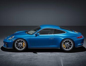 2018 PORSCHE 911 GT3 TOURING PACKAGE-Takım elbiseli sporcu